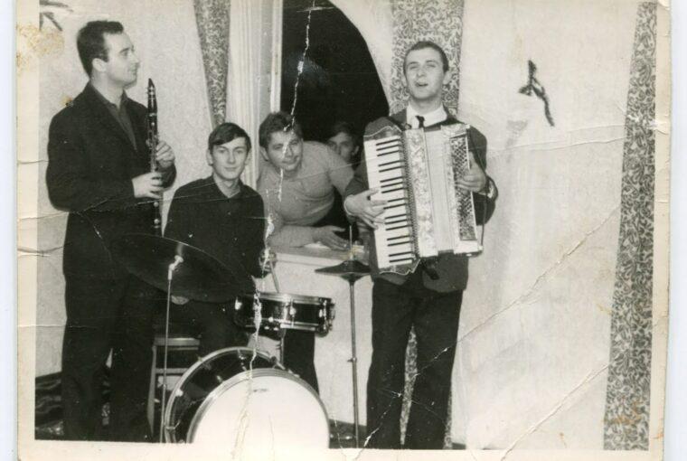akordeonista Jan Kowalski